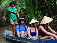 mekong-delta-visit-trade-village-pot-plants-in-ben-tre